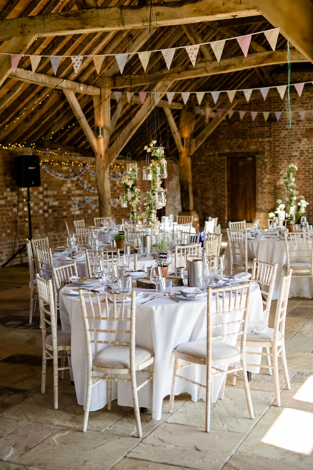 A Relaxed Rustic Long Barn Hampshire Wedding Lydia Stamps