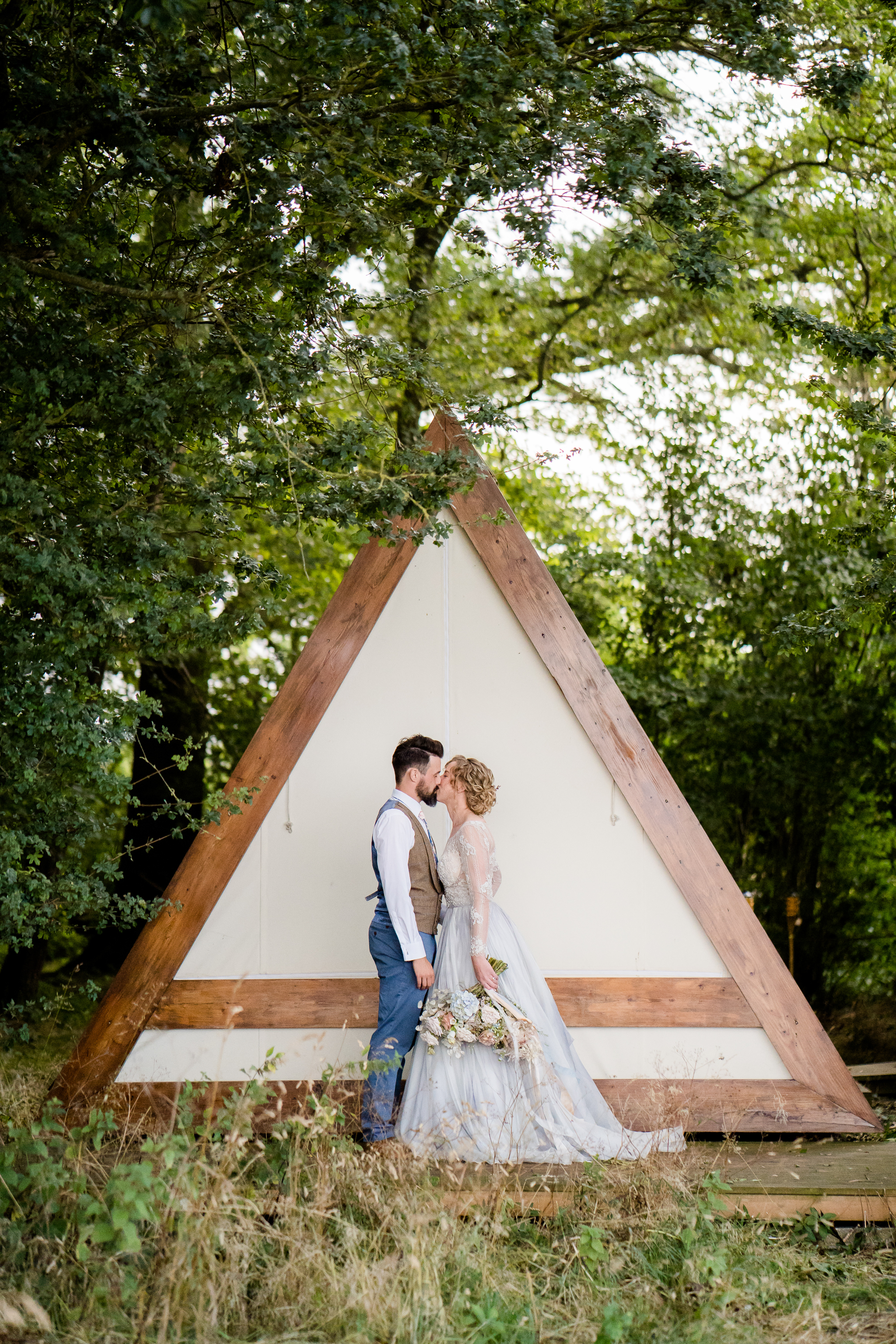 wedding photos at the glade at the barn at avington
