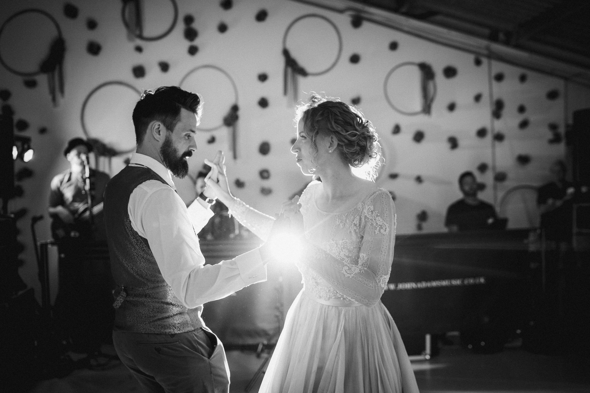 bride and groom have their first dance at the barn at avington